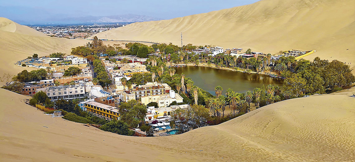 Large huacachina